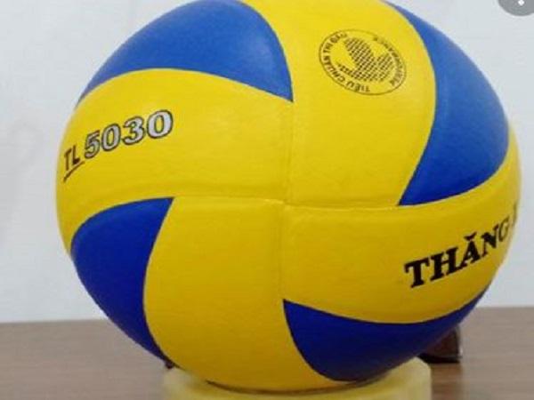 Tìm hiểu kích thước quả bóng chuyền là bao nhiêu?