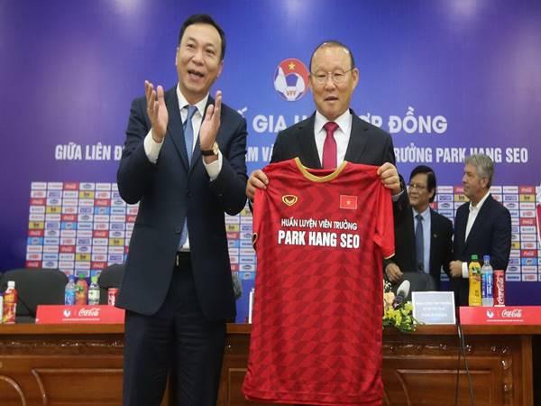 Bóng đá Việt Nam 24/8: HLV Park Hang Seo không tới Thái Lan