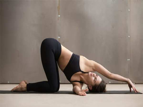 Bài tập yoga chưa đau vai gáy