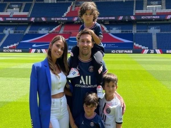 Con trai Messi: 3 cậu ấm dễ thương nhà siêu sao Leo Messi