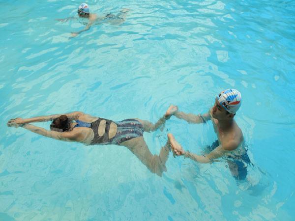 Bơi Ếch – kinh nghiệm tự học nhanh cho người lớn