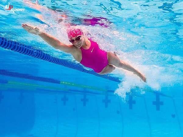 Kỹ thuật bơi sải đúng cách – Chia sẻ từ HLV bơi lội